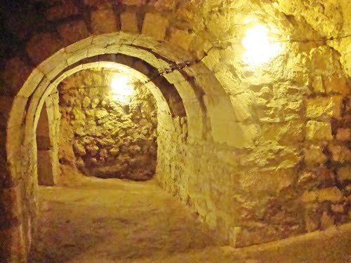 Derin kuyu Caves