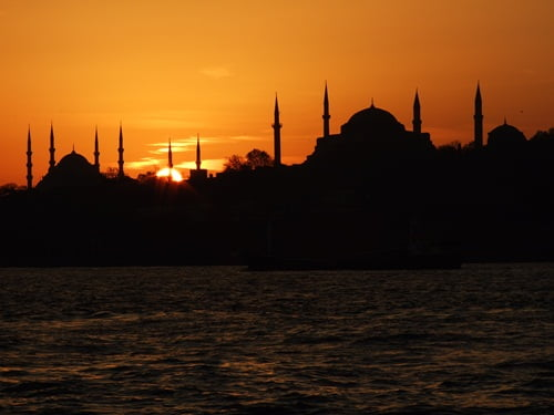 Istanbul_mosques_at_sunset