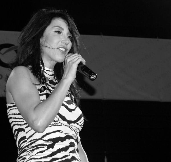 Turkish pop star- Hande Yener