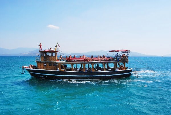 Altinkum boat and fishing trips turkey travel blog for Party boat fishing near me
