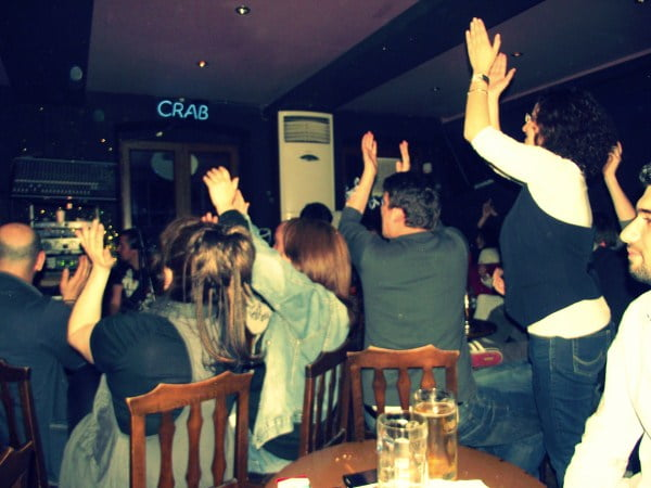 Crowd at Crab bar