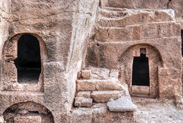 Churches of Dara