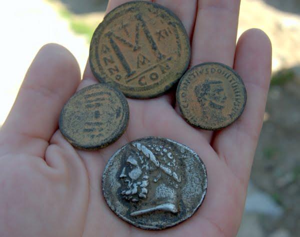 Fake coins sold in Turkey