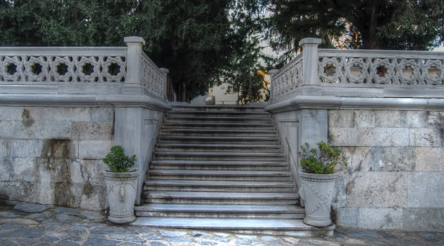 Courtyard steps of Topkapi