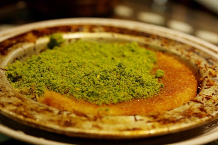 kunefe Turkish dessert