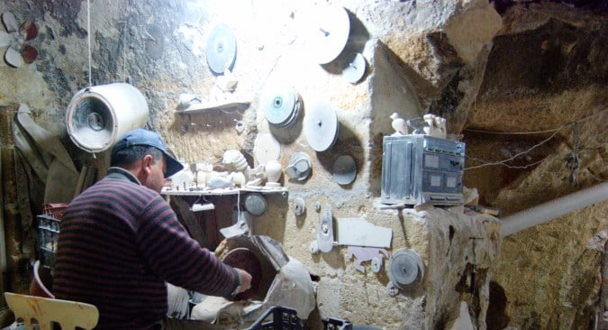 Onyx maker in Ortahisar