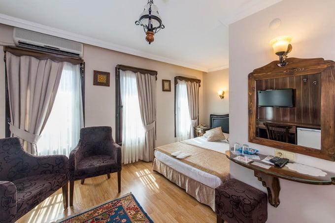 Naz Wooden Inn Hotel
