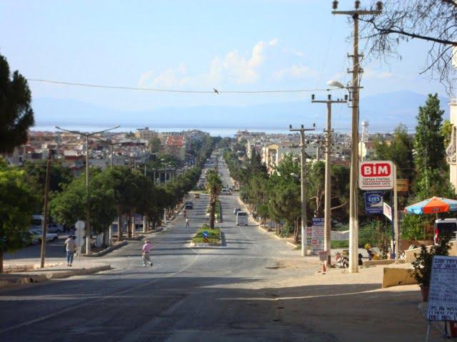 Ataturk Boulevard Altinkum