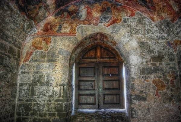 Entrance to the Hagia sophia in Trabzon