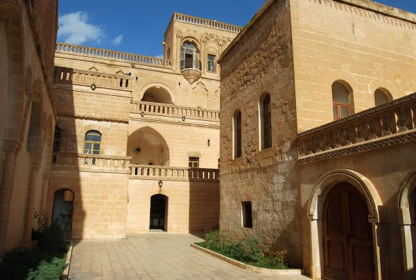 Culture house in Midyat