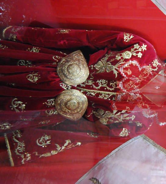 Bindalli dress and kusak