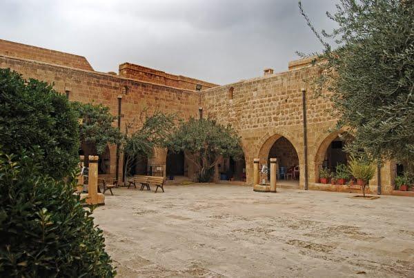 Deyrulzafaran courtyard