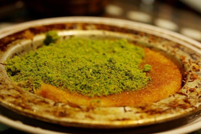 kunefe Turkish dessert